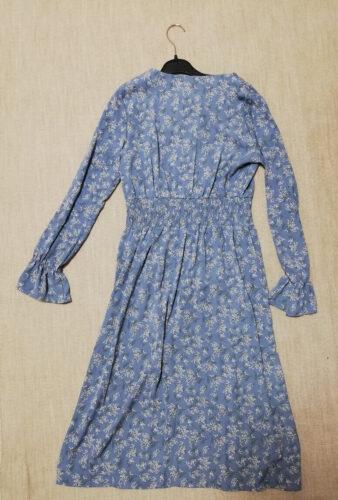 Attrangsの青い花柄ワンピース