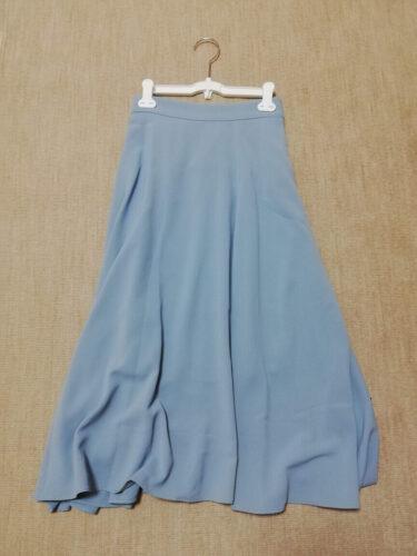 Attrangsの水色のスカート